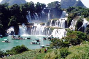 Amazing Waterfalls of the World – Global Travel